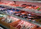 Островные магазины снижают цены на местную рыбу